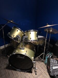 PEARL DRUM KIT - Great Condition