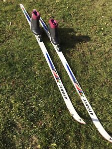 Size 11 Men's Cross Country Skis