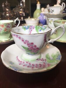 6 Royal Albert cups and saucers. Vintage and antique