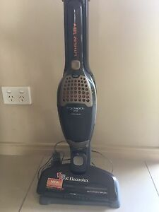 Electrolux erogorapido 2 in 1 vacuum cleaner Upper Coomera Gold Coast North Preview