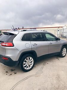 2014 Jeep Cherokee Limited *low kms!*