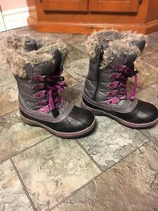 Girls' winter boots size 13