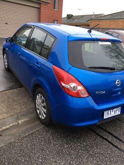 Nissan tiida 2011 bule