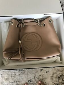 Gucci hobo shoulder bag in nude