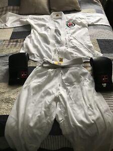 Uniforme karaté Jukado + gants de combat