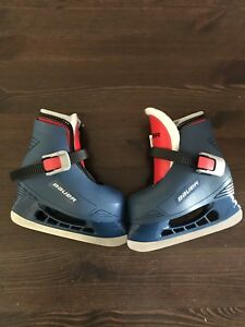 Toddler skates with adjustable buckle closure