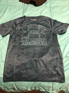 Boys under armour T-shirt size XL fits like L-Brand new