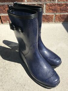 c25468a4fb22 Costco women s rain boots size 7 -  5