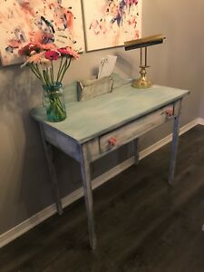 Old display desk