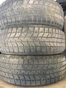 Pneus d'hiver Bridgestone Blizzak WS-70 215/60R17