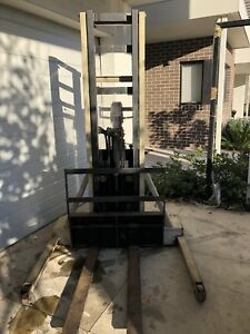 Crown electric forklift gumtree australia free local classifieds fandeluxe Choice Image