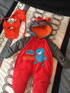 Baby snow suit size 3/6 months