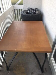 For sale, table and chairs