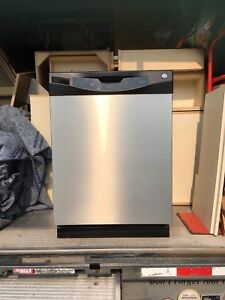Dishwasher, Convection Oven, Stovetop