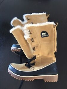 Women's Sorel Snow Boots 9-10 (new condition)