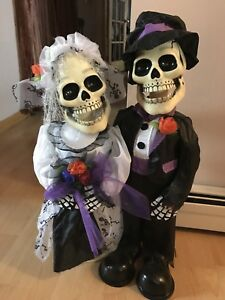 Singing duo, Halloween decoration