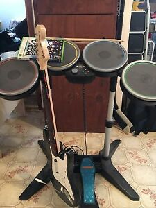 Rock Band 2 with all instruments