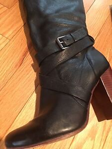 Leather boot size 8 perfect condition