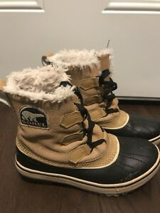 Women's Sorel Boots (size 5)