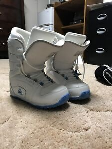 Firefly Woman's Snowboard Boots - Size 9.5