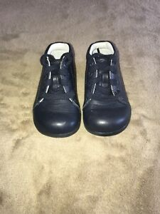 Stride Rite Leather Shoes size 4.5W