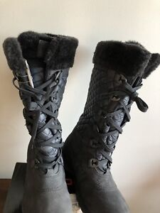 Ladies Winter Boots size 8