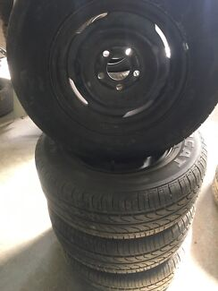 FORD FALCON 14 INCH WHEELS AND TYRES SET OF 4