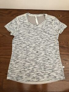 Genuine Lululemon size 4 6 8 small med work out tops