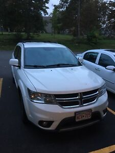Selling 2012 Dodge Journey SXT with Brand New Winter Tires