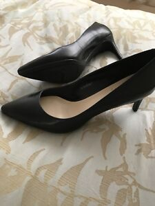 Brand new nine west black pumps ladies size 8