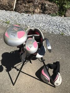 Power built junior girl golf set
