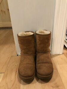 Like new authentic uggs