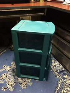 Storage bin in very good condition
