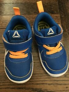 Reebok toddler boys running shoes size 5