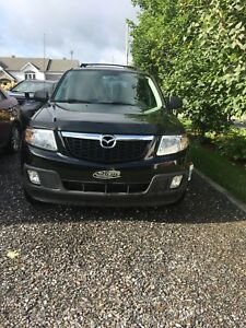 Mazda tribute GS AWD 2009