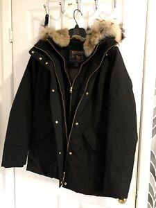 Selling a beautiful warm woolrich women jacket size -S