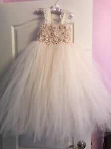 4e4caf1e6 Flower Girl Dress | Kijiji in Mississauga / Peel Region. - Buy, Sell ...
