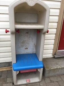 Kids bench locker