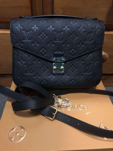 2abda96e4ad1 Louis Vuitton Pochette Metis (replica )
