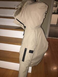S beige Canada Goose (for women and men)