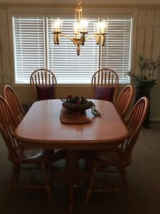 Custom made solid maple dining room set 6 chairs
