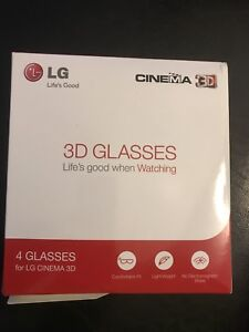 4 pairs of 3D glasses