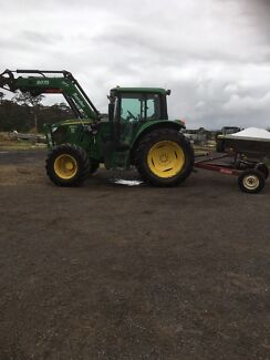 John Deere 6105 m tractor  with creeper gears