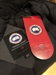 Canada Goose Victors Parka *LIKE NEW* XS in Grey
