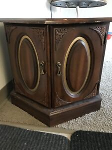 Side table selling