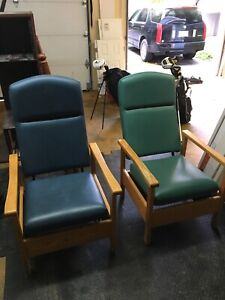 Hospital chairs and tables, all work great!