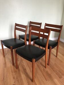 Set of 4 - Designer Teak Mid Century Modern Danish Dining Chairs