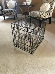 Small dog cage very gently used