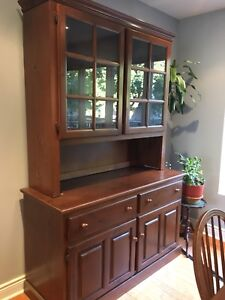 China Cabinet / Side Table with Hutch