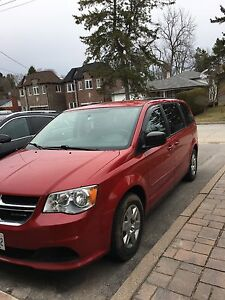 2012 dodge caravan stow and go